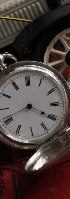 両面の彫りの美しい スイス製銀無垢アンティーク懐中時計 【1890年頃】-P2298-2