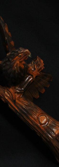 木に留まる鷲 風格ある木彫り懐中時計スタンド-S0845-3