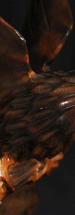 木に留まる鷲 風格ある木彫り懐中時計スタンド-S0845-5