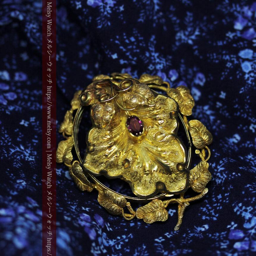 存在感ある秀麗なアンティーク 大粒ルビーと18金の大きな花形ブローチ-A0306-1