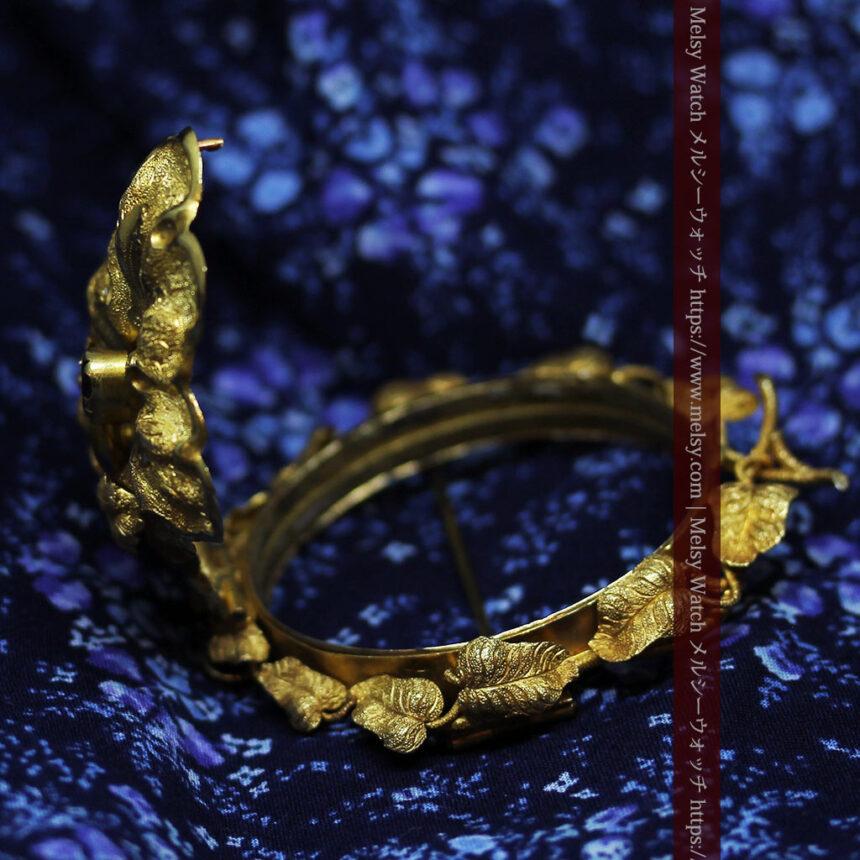存在感ある秀麗なアンティーク 大粒ルビーと18金の大きな花形ブローチ-A0306-12
