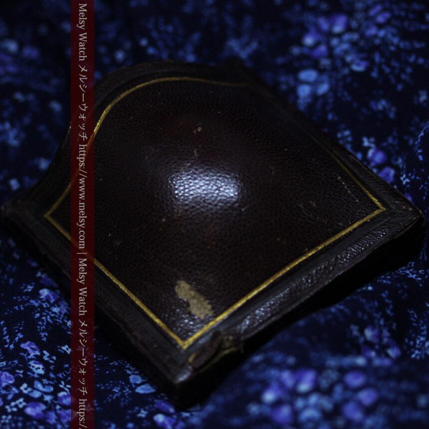 存在感ある秀麗なアンティーク 大粒ルビーと18金の大きな花形ブローチ-A0306-17