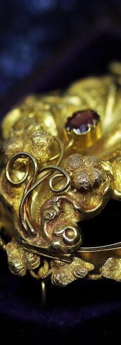 存在感ある秀麗なアンティーク 大粒ルビーと18金の大きな花形ブローチ-A0306-9