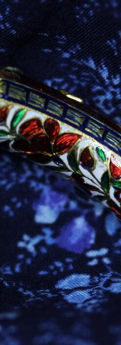 芸術的なエナメル装飾に宝石を鏤めた22金のアンティークバングル・ブレスレット-A0307-14