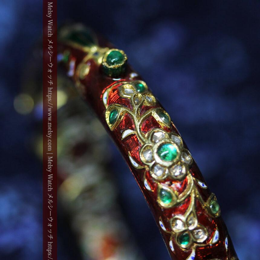芸術的なエナメル装飾に宝石を鏤めた22金のアンティークバングル・ブレスレット-A0307-18
