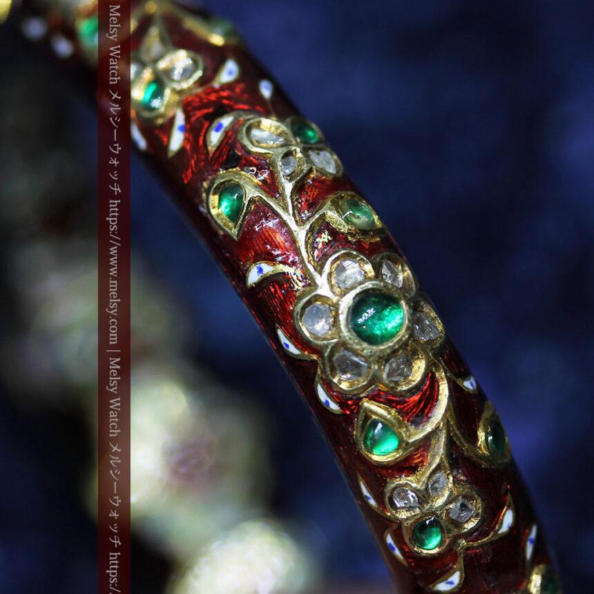 芸術的なエナメル装飾に宝石を鏤めた22金のアンティークバングル・ブレスレット-A0307-20