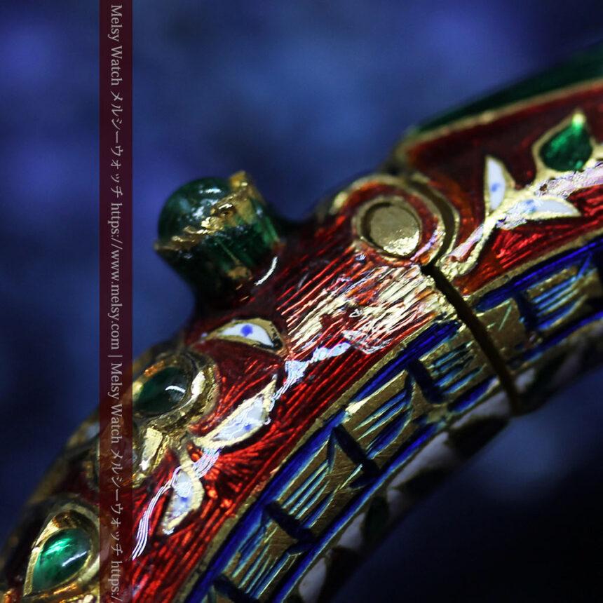 芸術的なエナメル装飾に宝石を鏤めた22金のアンティークバングル・ブレスレット-A0307-28