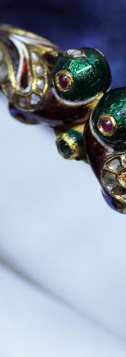 芸術的なエナメル装飾に宝石を鏤めた22金のアンティークバングル・ブレスレット-A0307-3