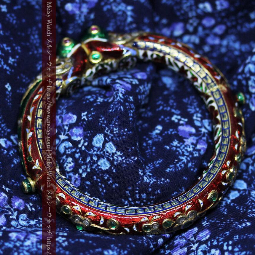 芸術的なエナメル装飾に宝石を鏤めた22金のアンティークバングル・ブレスレット-A0307-5