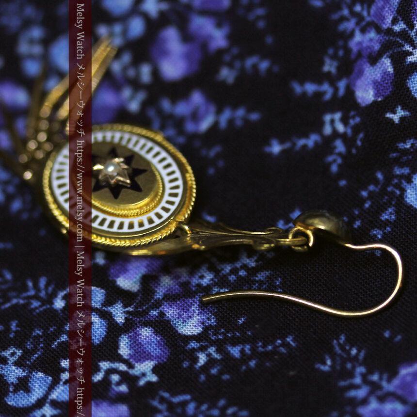 アンティークの品格と風格漂う18金ブローチとイヤリングのセット 【箱付き】-A0308-13