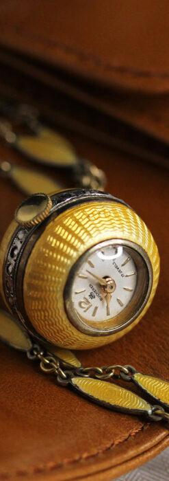 ブヘラの銀無垢ネックレス時計 梔子色のエナメル装飾【1960年頃】-P2302-11