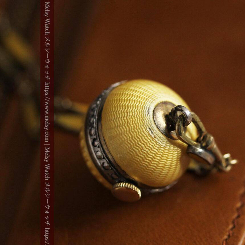 ブヘラの銀無垢ネックレス時計 梔子色のエナメル装飾【1960年頃】-P2302-14