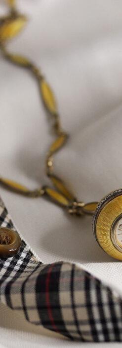 ブヘラの銀無垢ネックレス時計 梔子色のエナメル装飾【1960年頃】-P2302-8