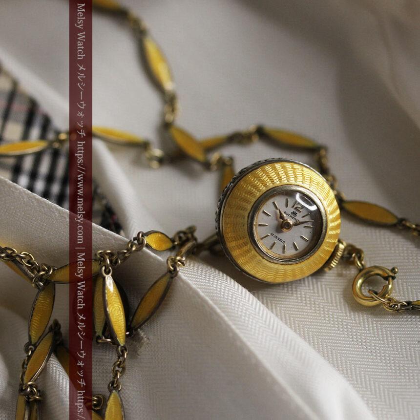 ブヘラの銀無垢ネックレス時計 梔子色のエナメル装飾【1960年頃】-P2302-9