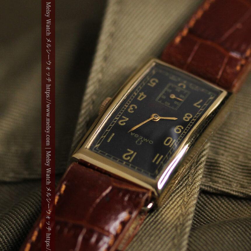 オメガのシックな黒色文字盤 品ある縦長アンティーク腕時計 【1940年製】-W1529-10