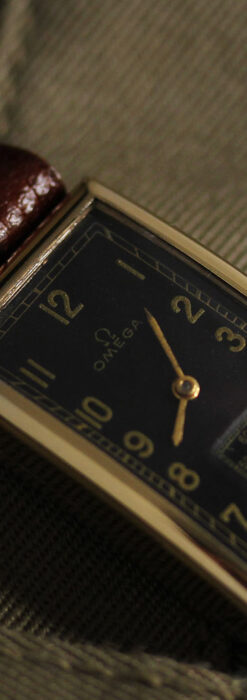 オメガのシックな黒色文字盤 品ある縦長アンティーク腕時計 【1940年製】-W1529-11