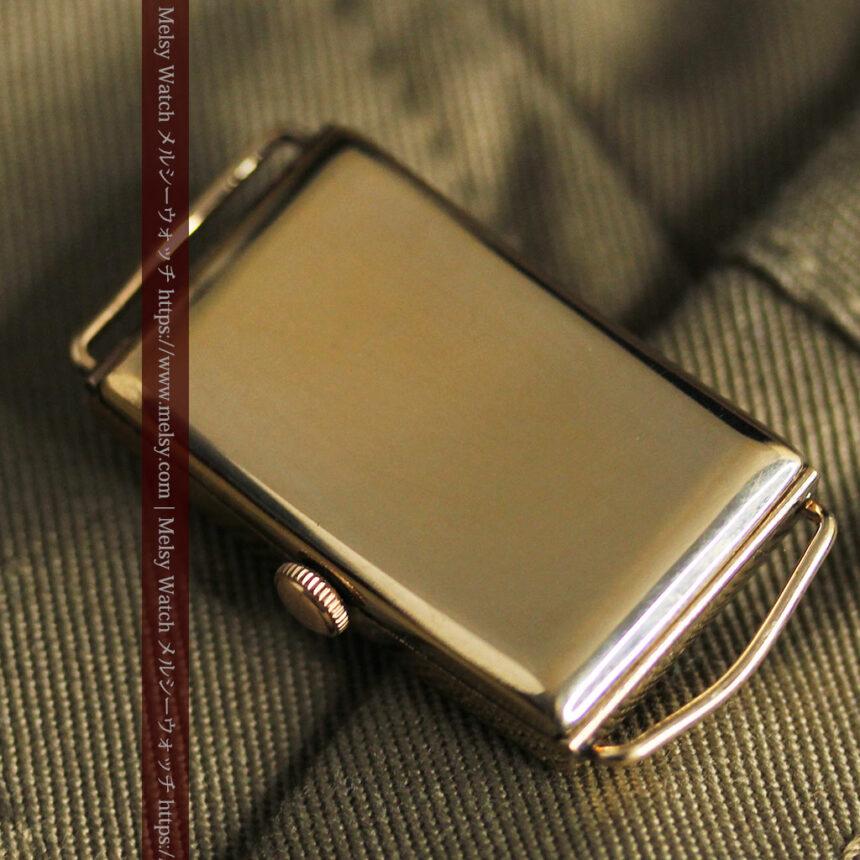 オメガのシックな黒色文字盤 品ある縦長アンティーク腕時計 【1940年製】-W1529-23