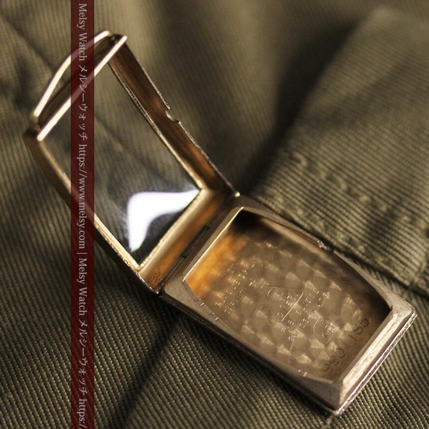 オメガのシックな黒色文字盤 品ある縦長アンティーク腕時計 【1940年製】-W1529-24