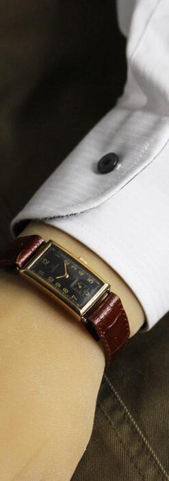 オメガのシックな黒色文字盤 品ある縦長アンティーク腕時計 【1940年製】-W1529-28