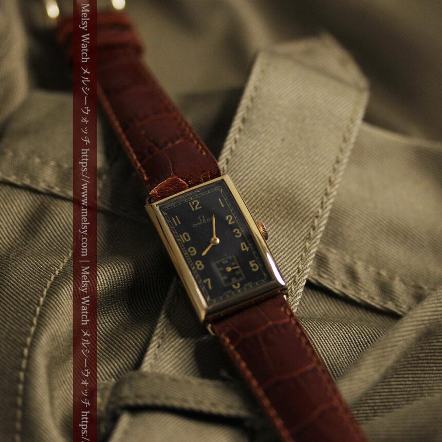 オメガのシックな黒色文字盤 品ある縦長アンティーク腕時計 【1940年製】-W1529-8