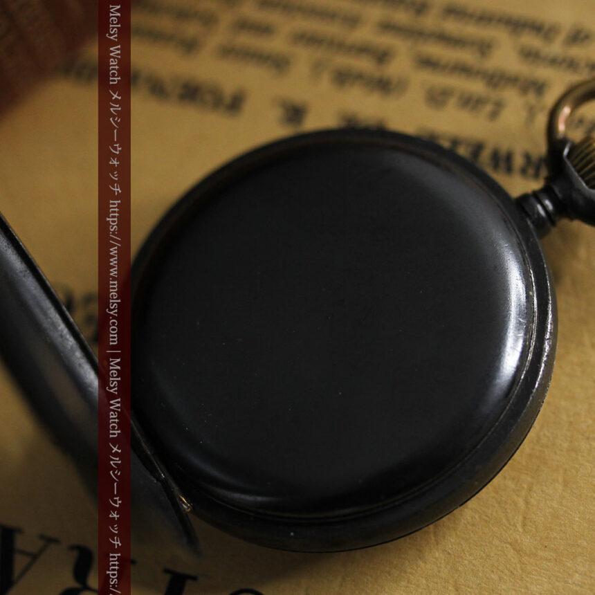 黒色に映える銀の紋章 オメガのアンティーク懐中時計 【1899年製】-P2308-21