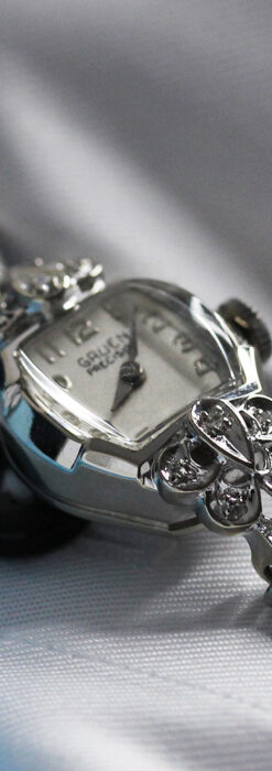 グリュエン レトロバンドが似合う白銀色の金無垢アンティーク腕時計 【1950年頃】-W1537-5