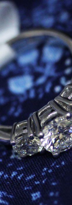 3石のダイヤモンドと18金の指輪-A0203-1