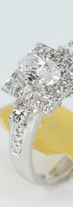 オーバルのダイヤモンドと18金の指輪-A0227-1