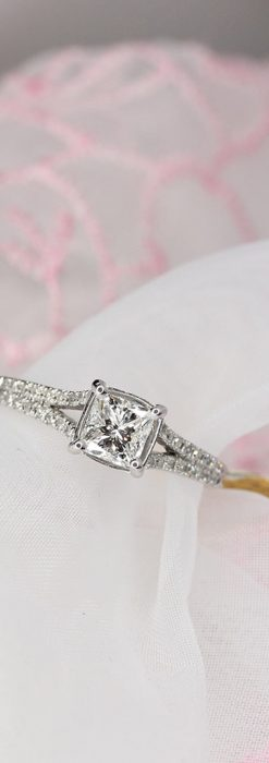 33石プリンセスカットのダイヤモンド・18金リング-A0237-2