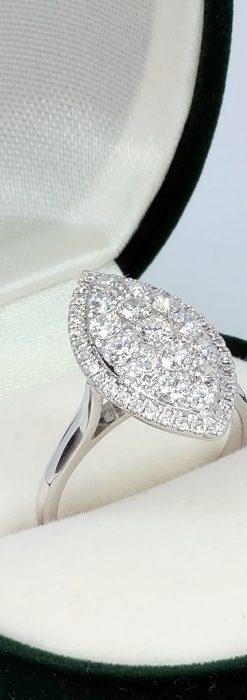マーキス型のダイヤモンド18金リング-A0245-2
