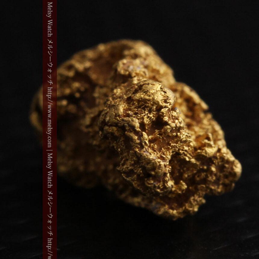 約1.9gの犬のような形の自然金・オーストラリア産-A0264-10