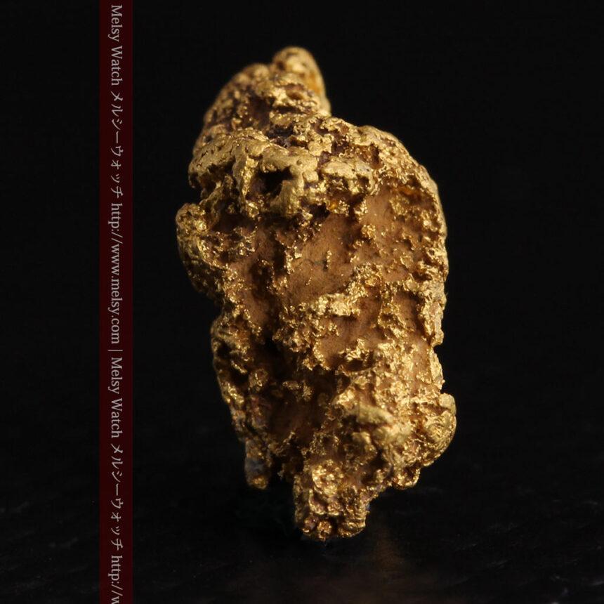 約1.9gの犬のような形の自然金・オーストラリア産-A0264-3
