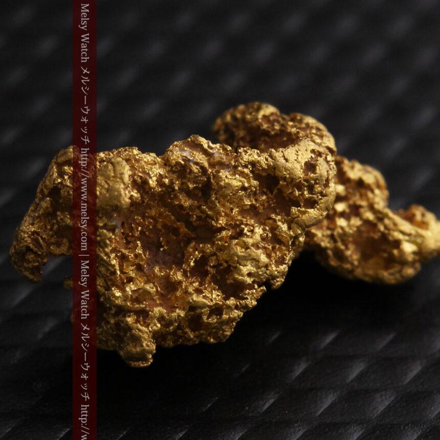 約1.9gの犬のような形の自然金・オーストラリア産-A0264-5