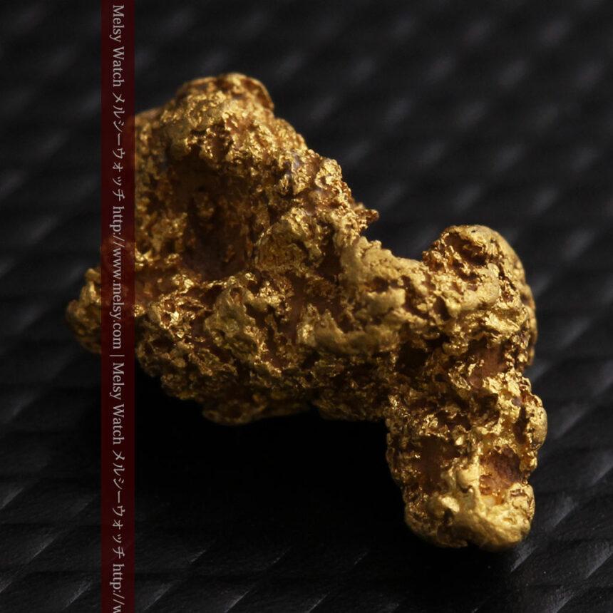 約1.9gの犬のような形の自然金・オーストラリア産-A0264-6