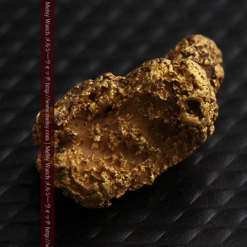 約1.9gの犬のような形の自然金・オーストラリア産-A0264-7