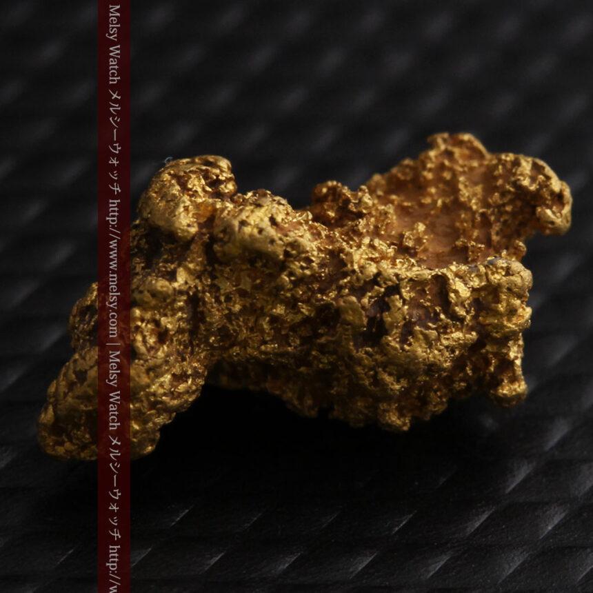 約1.9gの犬のような形の自然金・オーストラリア産-A0264-8