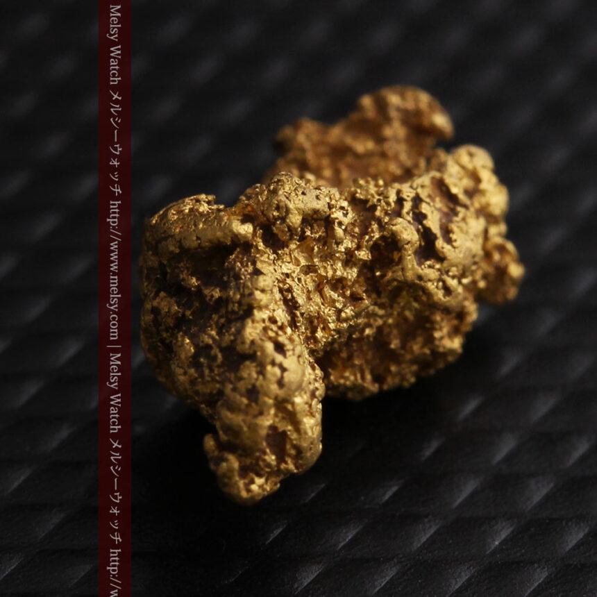 約1.9gの犬のような形の自然金・オーストラリア産-A0264-9