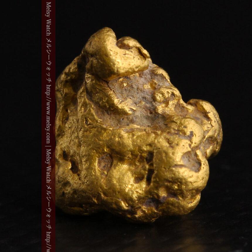 4.1gの立体的な形の自然金・オーストラリア産-A0266-3