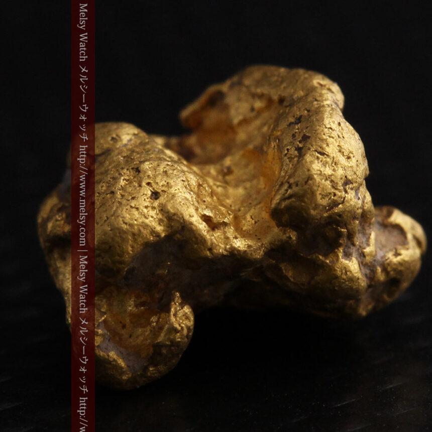 4.1gの立体的な形の自然金・オーストラリア産-A0266-8
