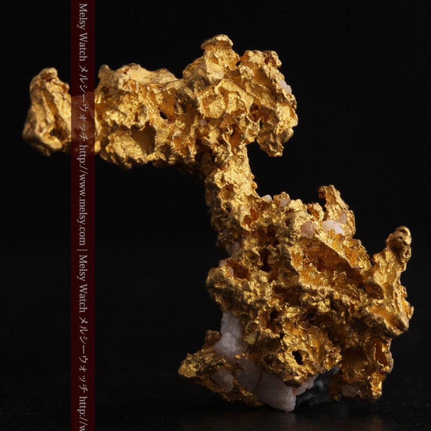 3.95gの恐竜・犬のような形の自然金-A0269-2