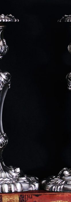 英国ビクトリア朝期の重厚な銀無垢アンティーク燭台1対2本【1900年~1903年頃】-A0271-1