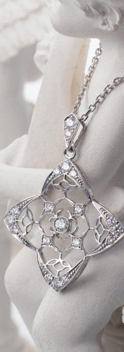 ダイヤモンドとプラチナのペンダント -よみがえる伝承の職人技と造形美-A0297-3