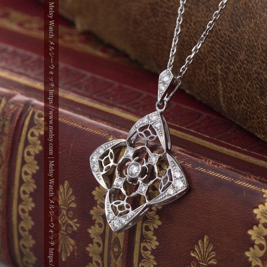 ダイヤモンドとプラチナのペンダント -よみがえる伝承の職人技と造形美-A0297-4
