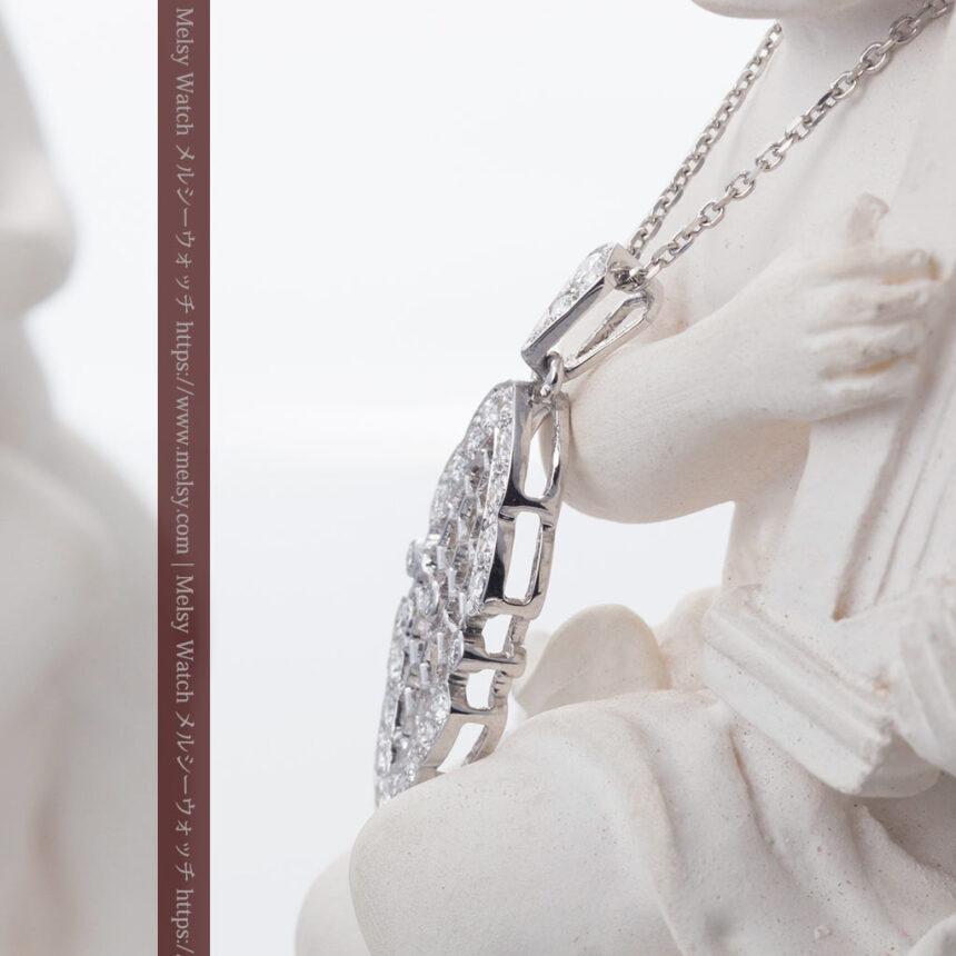 ダイヤモンドとプラチナのペンダント -よみがえる伝承の職人技と造形美-A0298-4