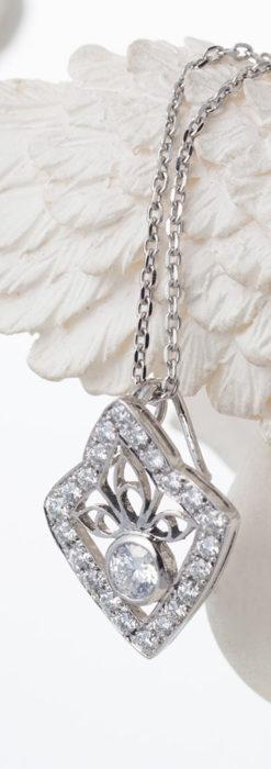 ダイヤモンドとプラチナのペンダント -よみがえる伝承の職人技と造形美-A0299-3