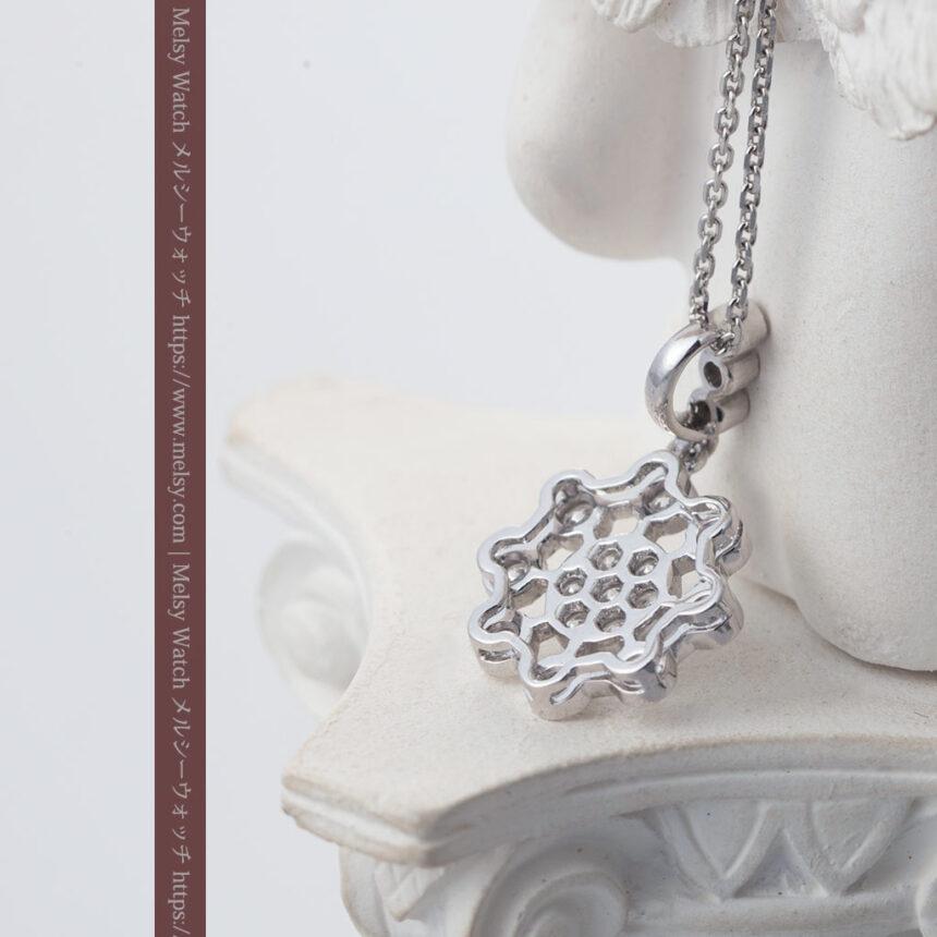 ダイヤモンドとプラチナのペンダント -よみがえる伝承の職人技と造形美-A0301-3