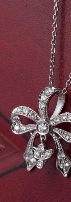 ダイヤモンドとプラチナのペンダント -よみがえる伝承の職人技と造形美-A0302-4