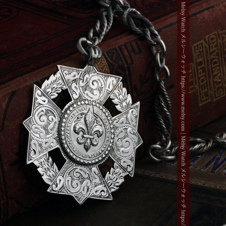 抜群の存在感を誇る特大装飾付き極太銀無垢アンティーク懐中時計チェーン-C0454-1