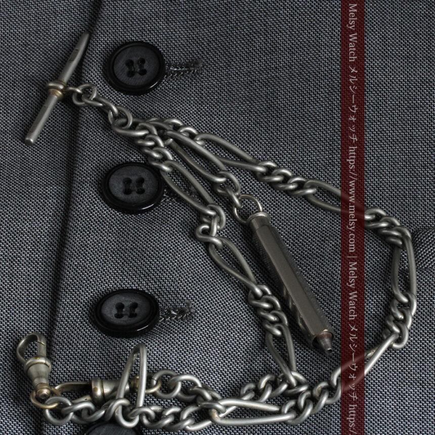 くすんだ銀色のアンティーク懐中時計チェーン 鍵巻き付き-C0458-1