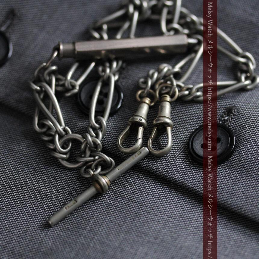 くすんだ銀色のアンティーク懐中時計チェーン 鍵巻き付き-C0458-11